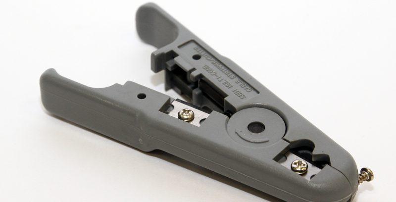 Универсальный зачистной нож 5bites LY-501C для UTP/STP и тел.кабеля